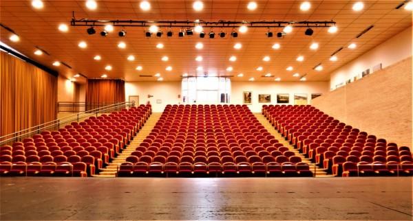 Patio de butacas desde el escenario.